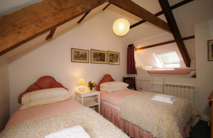 Gwaun Valley holiday cottage twin bedroom