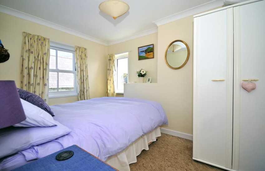 Coastal cottage cardigan bay - bedroom