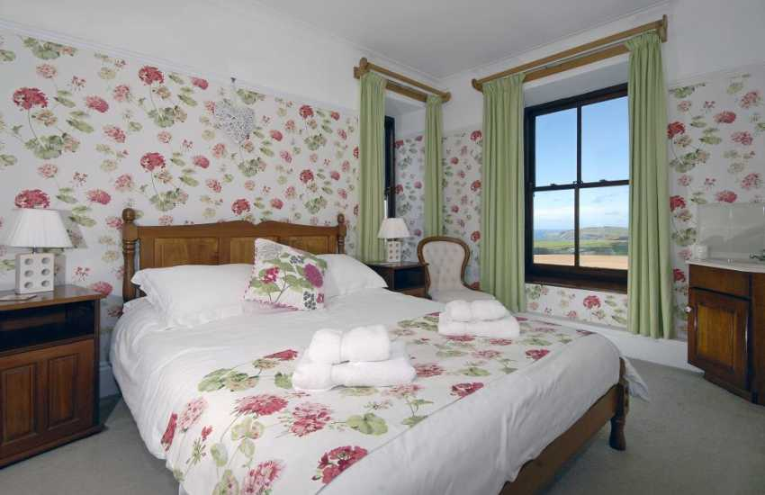 Pembrokeshire holiday home  - double bedroom with stunning coastal views