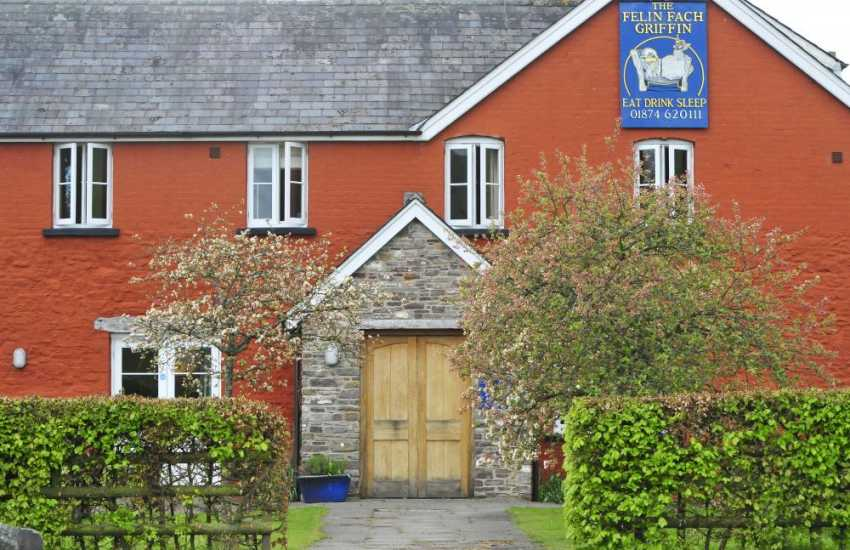 The Felin Fach Griffin, a dining pub near Brecon & Hay-on-Wye between The Black Mountains and The Brecon Beacons