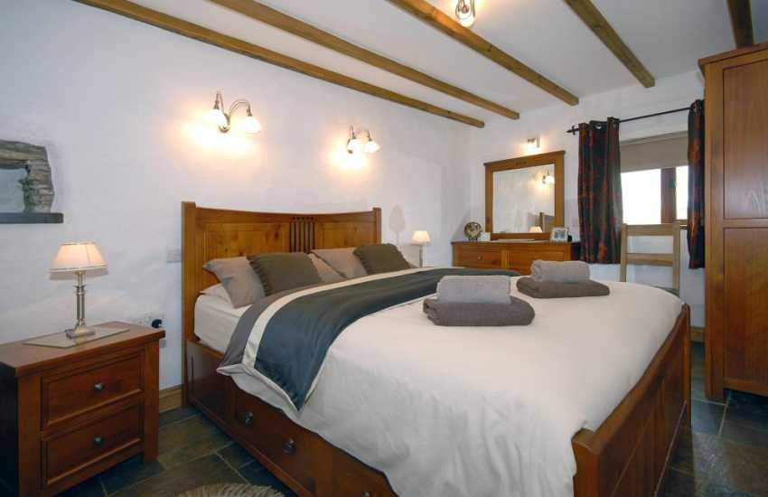North Pembrokeshire holiday cottage - ground floor double bedroom