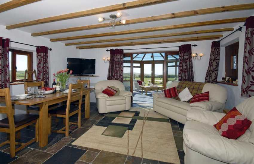 Cosy North Pembrokeshire coastal cottage - sitting / dining area