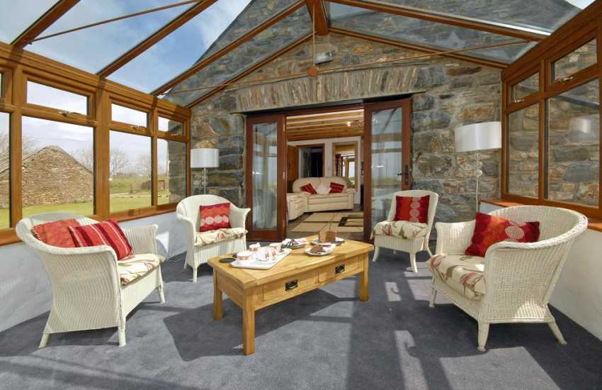 Pembrokeshire coastal cottage with large conservatory