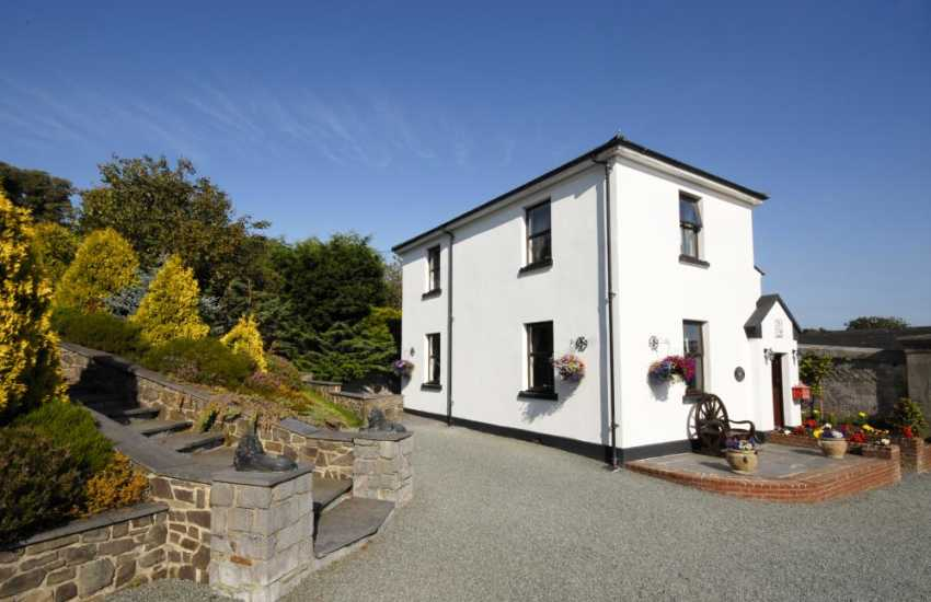 Cottage on The Haven Waterway, South Pembrokeshire - pets welcome