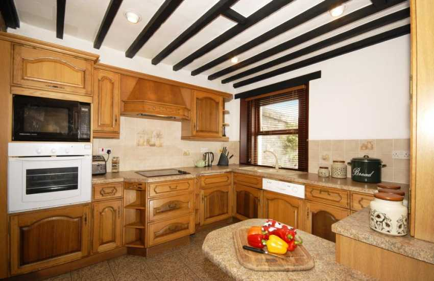 Self-catering cottage in the Pembrokeshire Coast National Park - modern kitchen