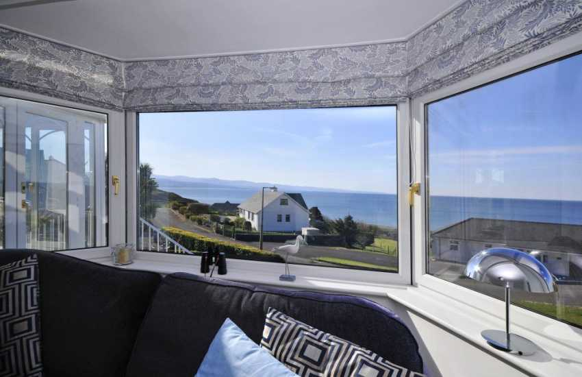 Criccieth holiday cottage  - lounge view