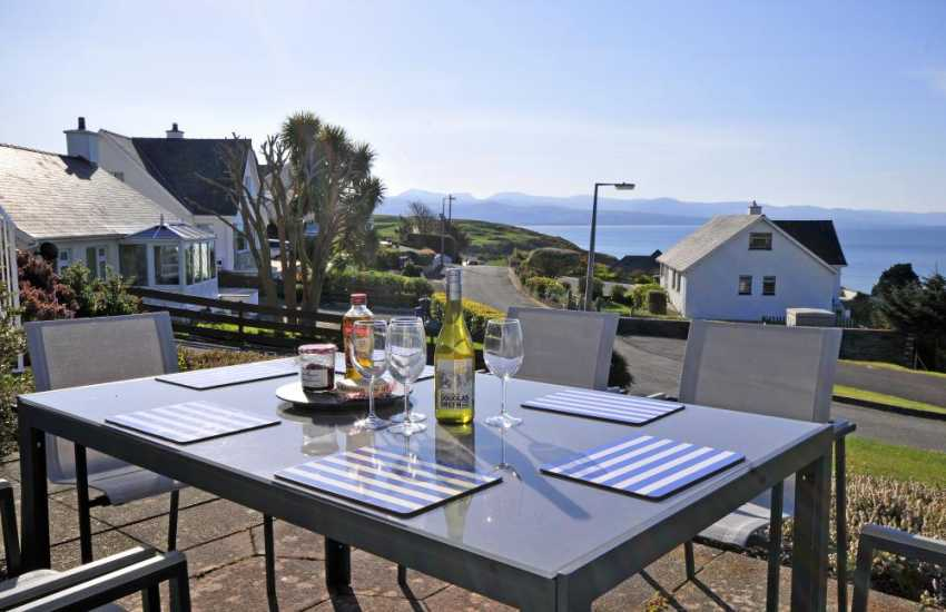 Criccieth cottage overlooking Tremadog Bay