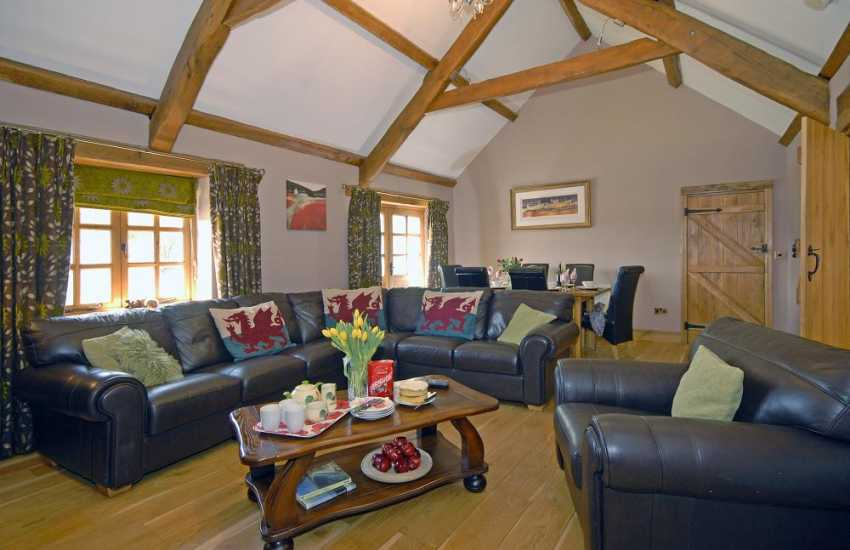 Holiday cottage Pembrokeshire - open plan living/dining room