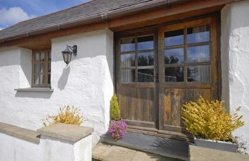 Cosy Pembrokeshire cottage for holidays in the Preselis Hills