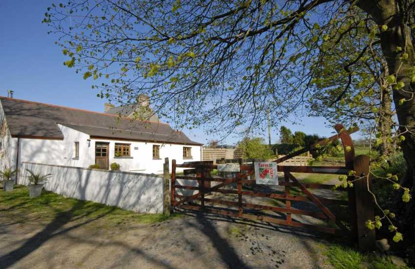 Pembrokeshire farm holiday cottage with enclosed gardens - sorry no pets