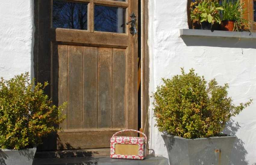 Cosy Pembrokeshire cottage for holidays in the Preseli Hills