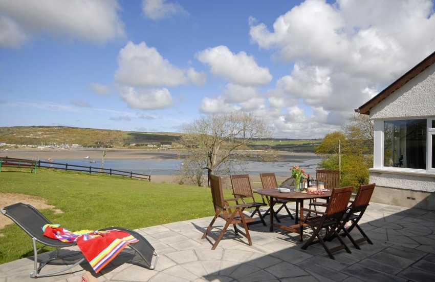 Teify Estuary holiday home - river views from the patio