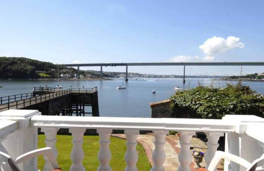 Stunning views over the Haven Waterway from your private balcony