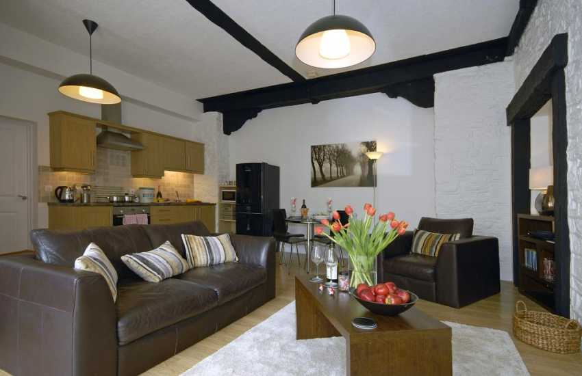 South Pembrokeshire luxury holiday apartment for two - open plan kitchen/dining/living room