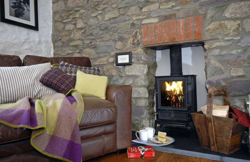 Cosy St Davids holiday cottage with wood burning stove