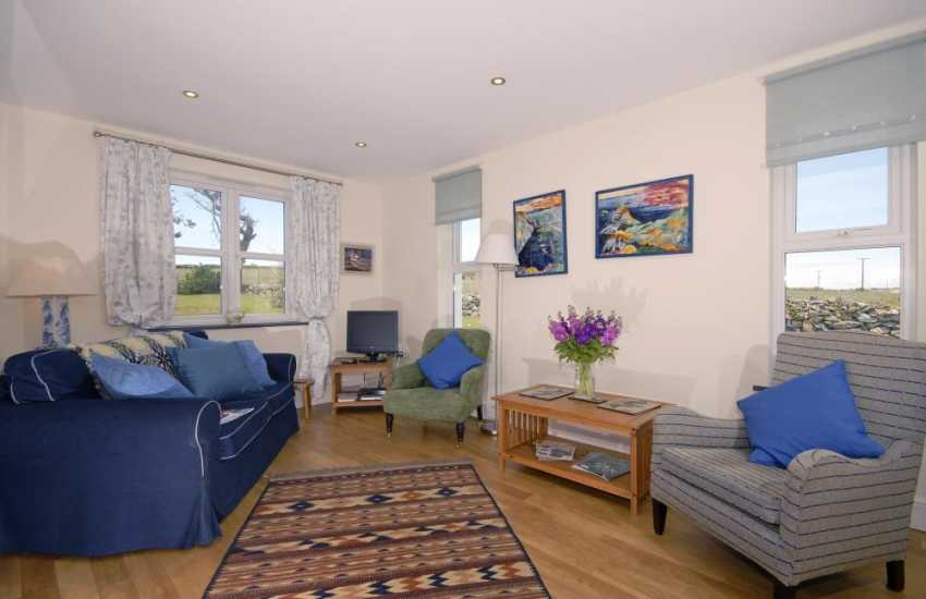 St Davids holiday home with open plan family sitting room