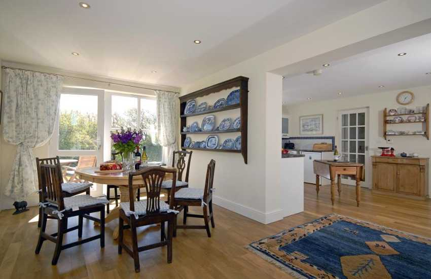 Pembrokeshire National Park holiday house - spacious dining area