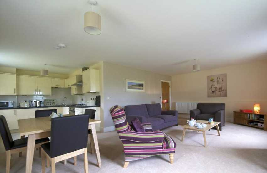 Anglesey holiday apartment-lounge/dining