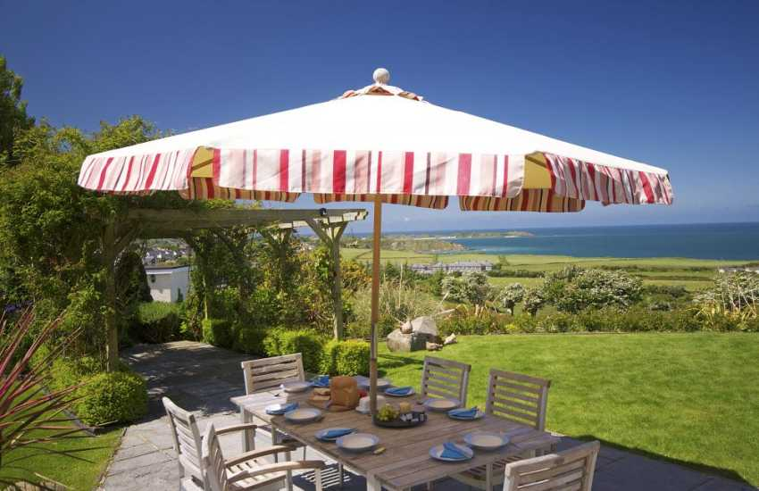 Lleyn Peninsula cottage with hot tub - view
