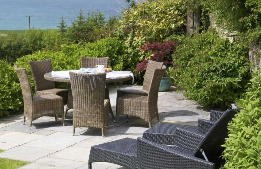 Luxury coastal cottage north Wales - garden