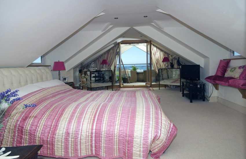 Nefyn holiday cottage - bedroom