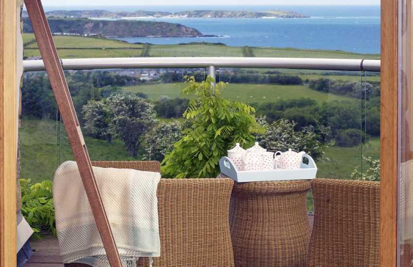 Nefyn holiday cottage - balcony