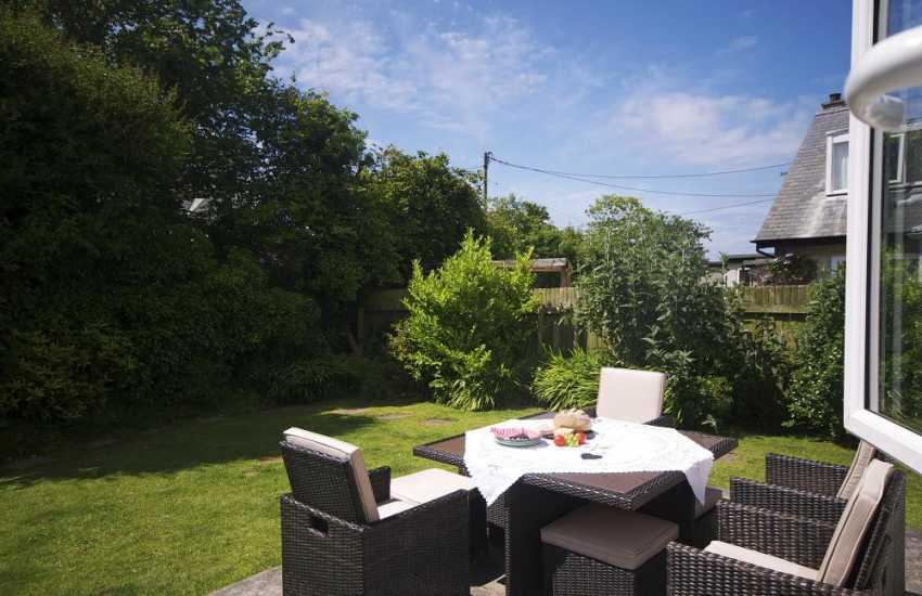 Porthdinllaen holiday cottage-garden