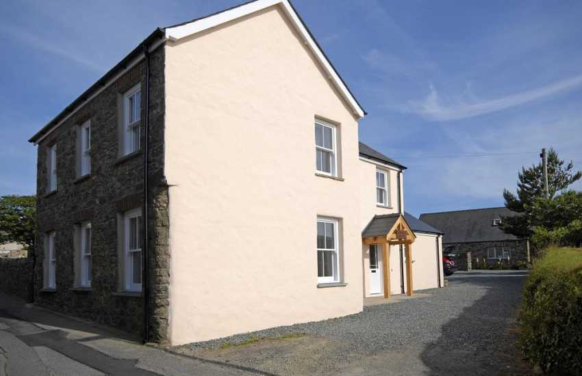 St Davids holiday home for rent-sleeps 8