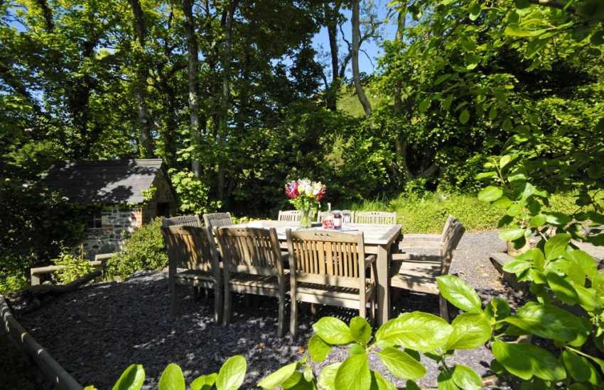 Welsh holiday home near Llangrannog - sheltered gardens