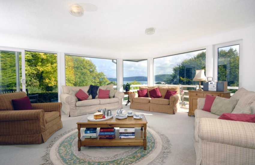 Aberporth bungalow comfortable spacious lounge with sea views
