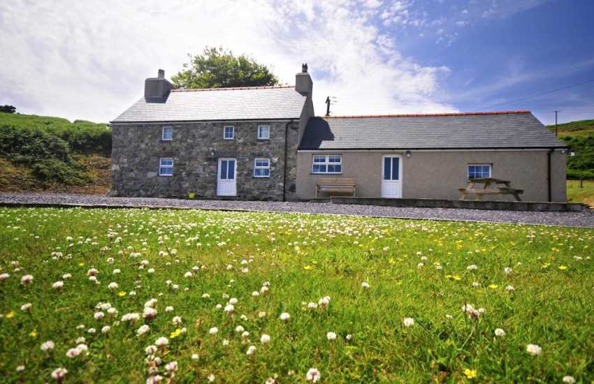 Lleyn Peninsula holiday house - exterior