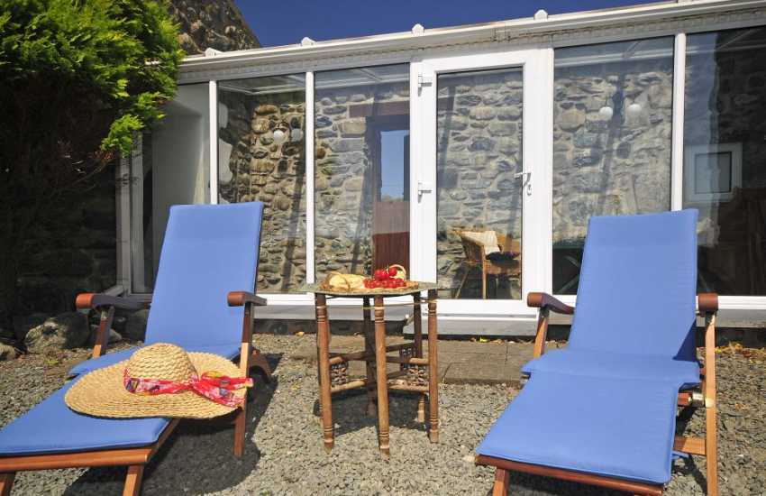 Llanbedr holiday cottage - conservatory
