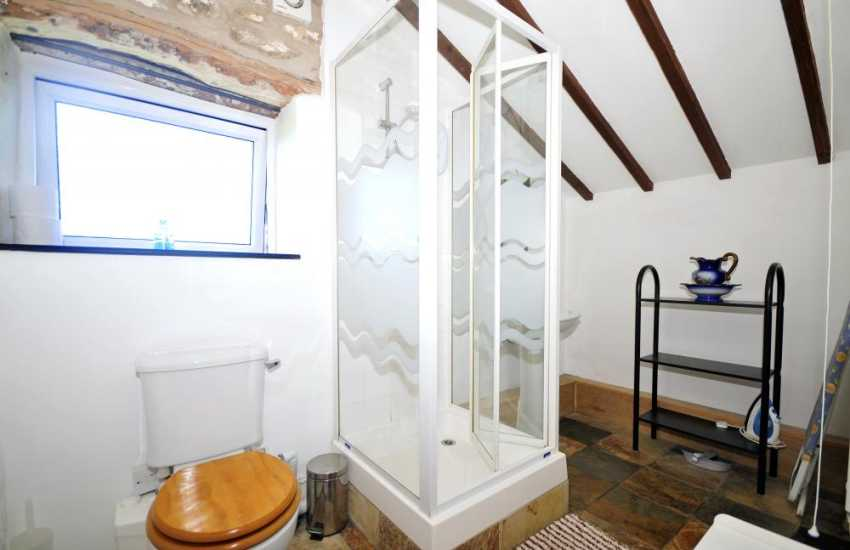 Benar beach holiday cottage - bathroom