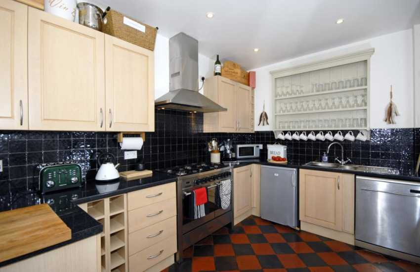 Self-catering cottage in Tresaith - modern kitchen