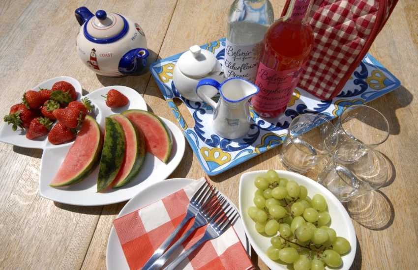 Al-fresco dining at Stackpole holiday cottage