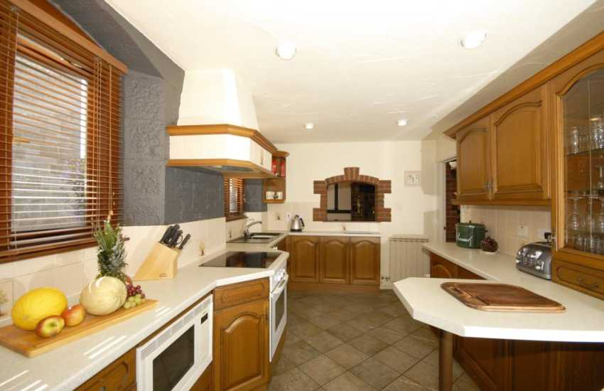 Self-catering cottage in the Pembrokeshire Coast National Park - kitchen