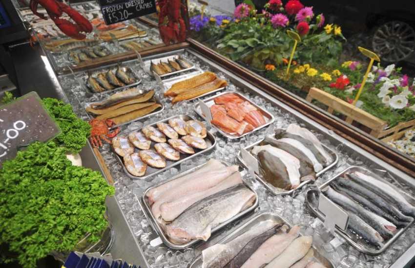 Ffrwythau DJ of Criccieth stocks fabulous local seafood, fruit & vegetables