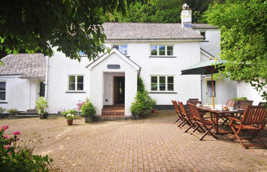 Large Abergavenny holiday cottage - exterior