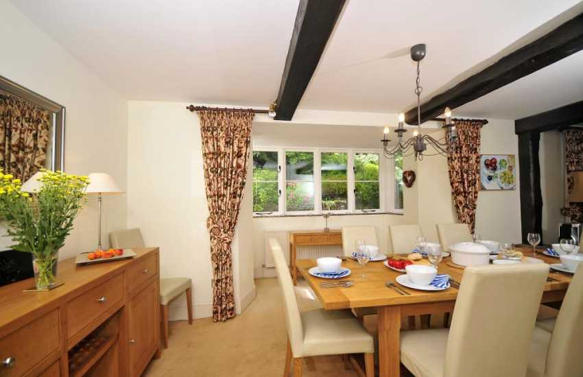 Llanfoist holiday cottage - dining