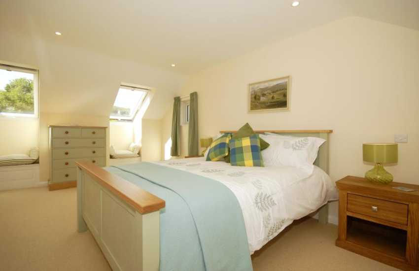 North Pembrokeshire holiday home master bedroom with en-suite shower