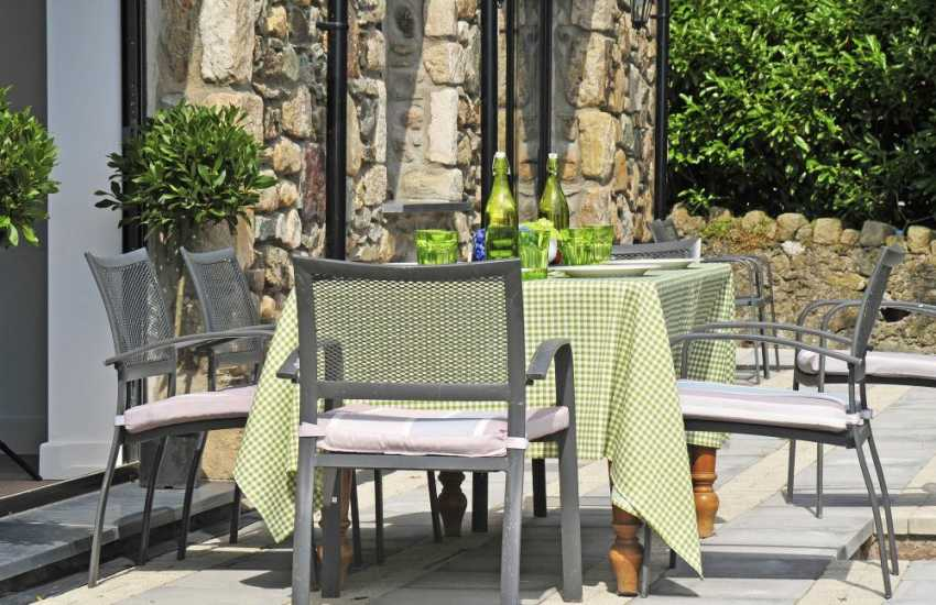 Wales holiday cottage - patio