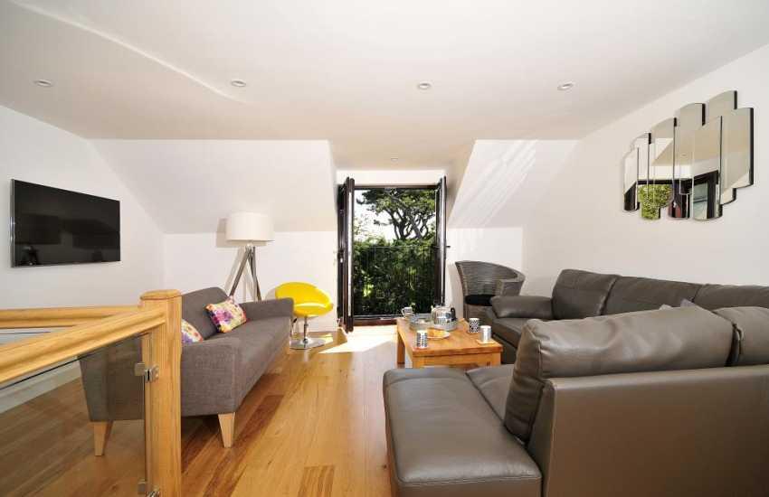 Malltraeth holiday cottage - lounge