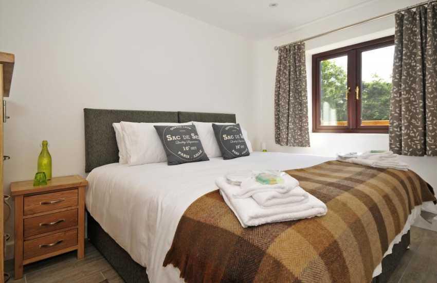 Aberffraw holiday cottage- bedroom