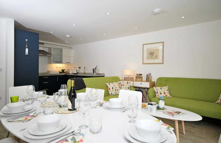 Rural retreat Anglesey - dining