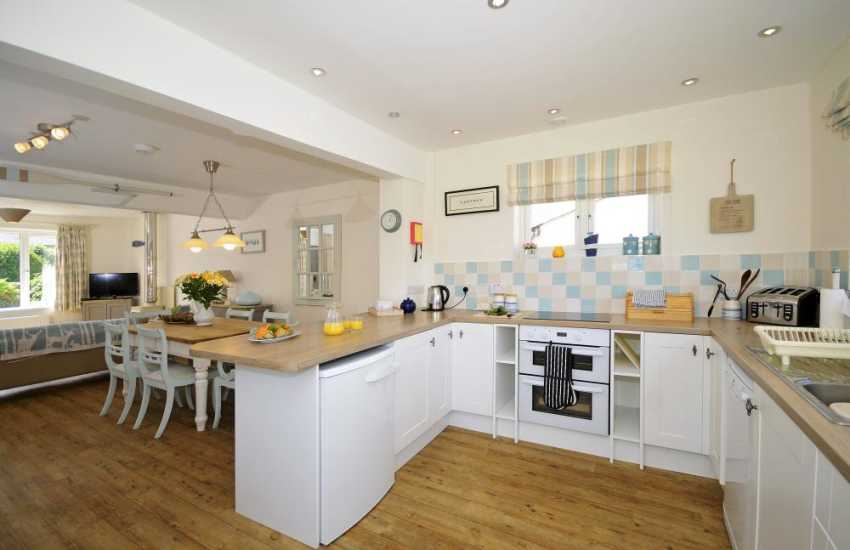 Luxury coastal cottage North Wales - kitchen