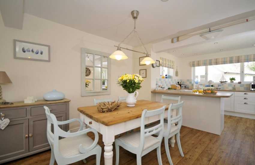 Luxury coastal cottage Wales - dining