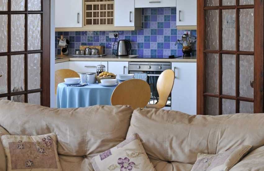 Pet friendly Criccieth holiday house - lounge