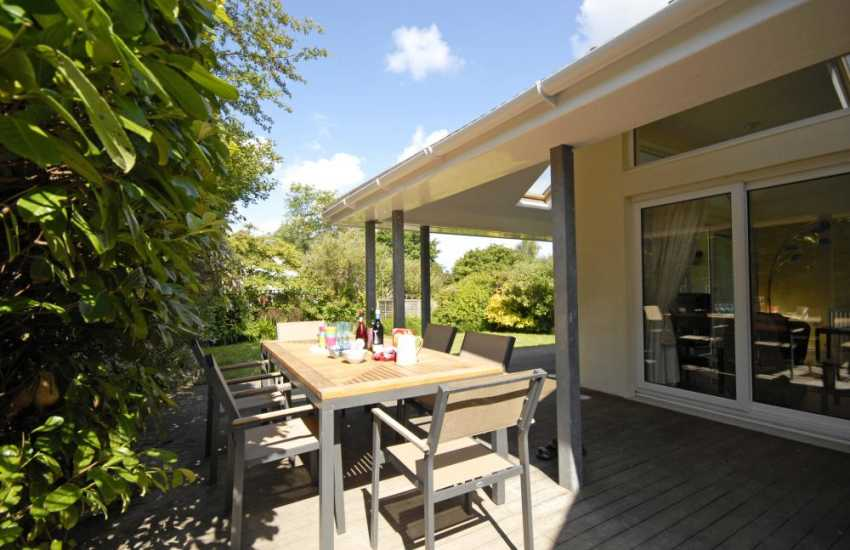 North Pembrokeshire holiday house with private garden and deck for alfresco dining