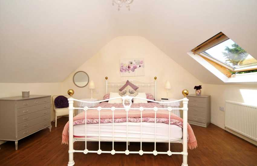Pet friendly Aberdaron holiday cottage - bedroom