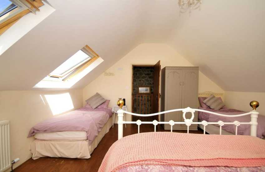 Llyn Peninsula holiday cottage - bedroom